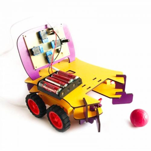 اسباب بازی آموزشی ربات فوتبالیست R 201 روبی 3