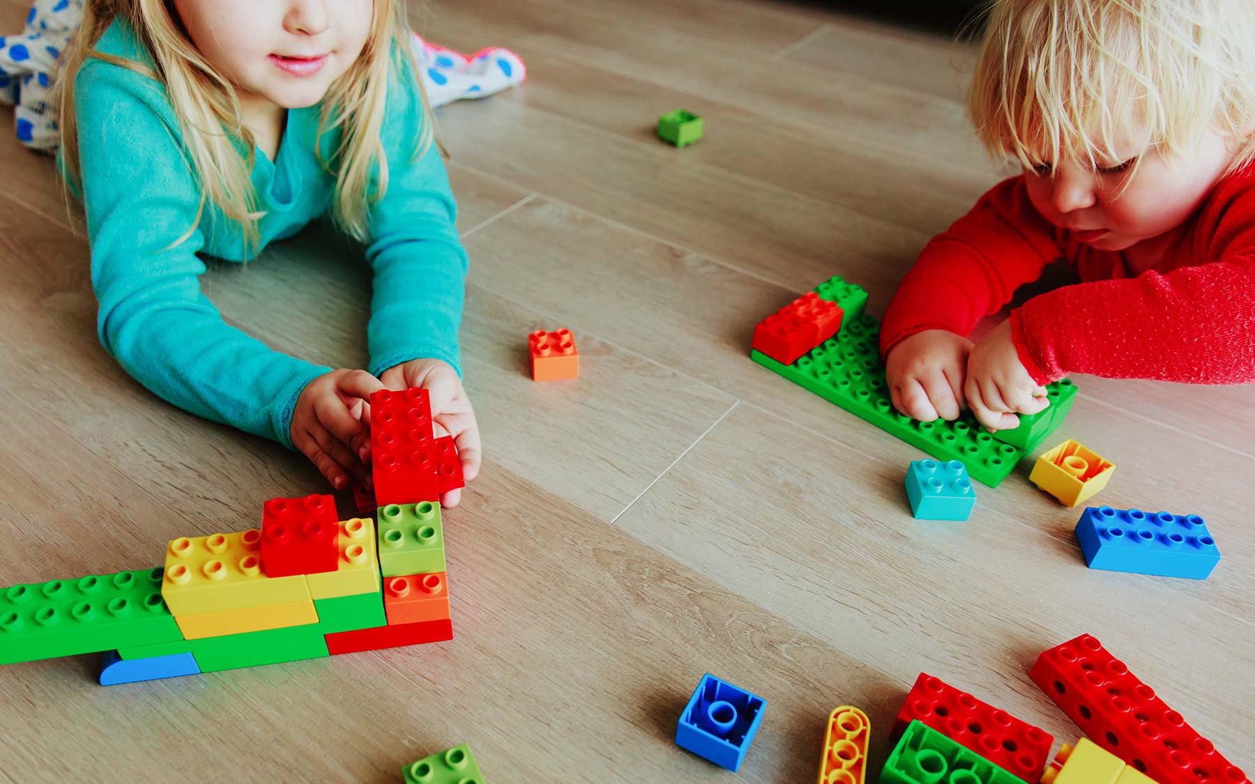 kids playing building blocks